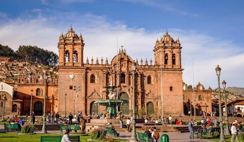 Peru-Cusco-Plaza-de-Armas-2